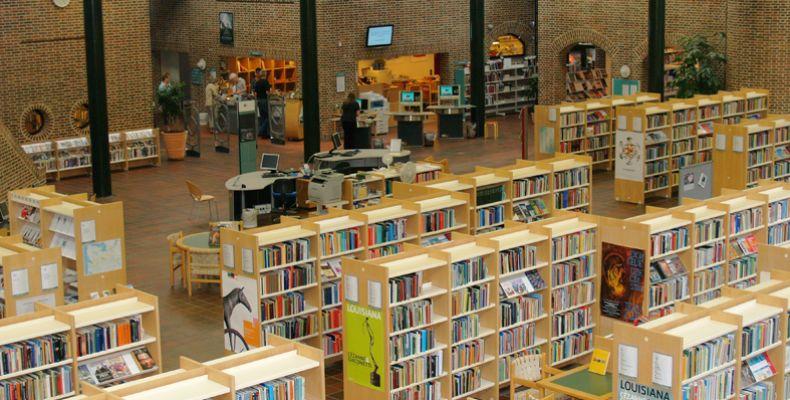 2-8-holstebro-bibliotek7AB1FE95-638C-B593-4316-0F4934263E4D.jpg