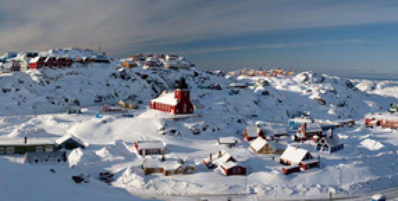 sisimiut-panorama10932605E-BAB4-0B30-E184-281CF00961AD.jpg